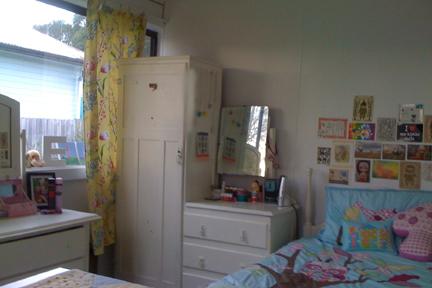 Emily's room1
