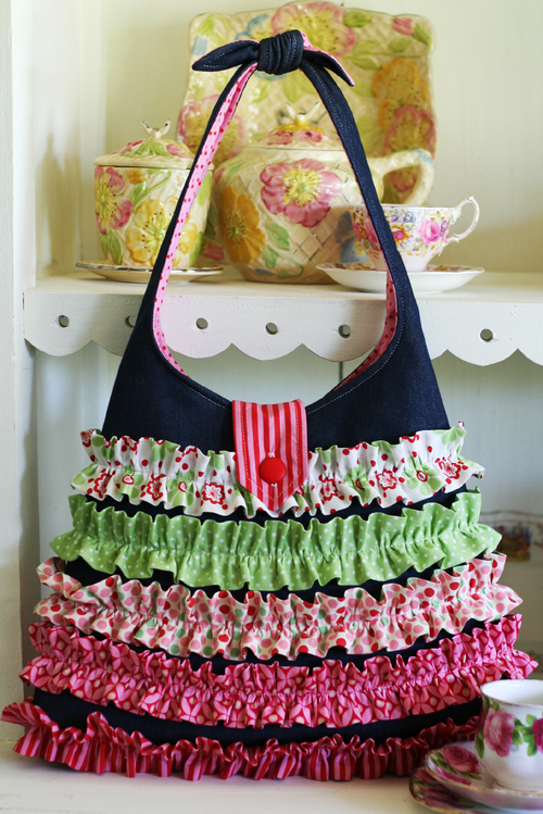 J005 Frilly Dilly Bag